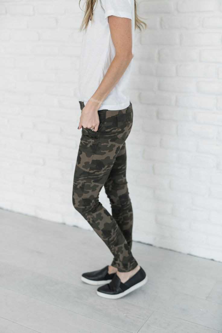 There's a few things we are obsessed with and these Camo Jeans are one of them! The detail zippers are the cherry on top! See Sierra's sizing HERE, she is normally a 25/26 and is wearing size 3