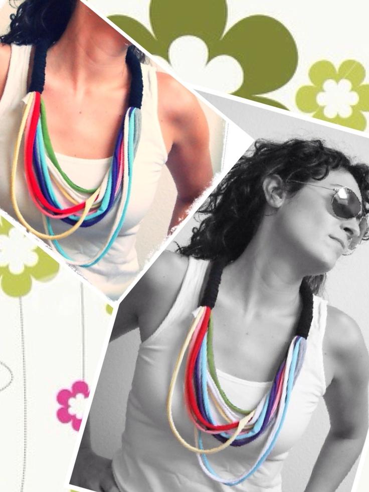 Collar de trapillo multicolor. Modelo N www.prispicollection.blogspot.com