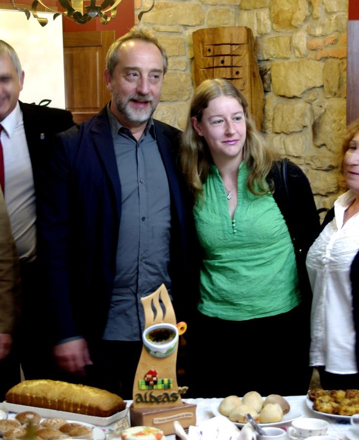 Gonzalo de Castro recibe el premio a la serie Doctor Mateo