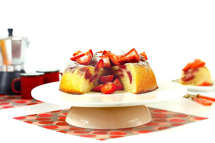 Tarta de fresas y almendras. Receta para Crock Pot #crockpot #crockpotting #slowcooker #slowcooking #tartas #fresas #bizcochos #recetas