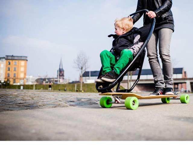 Wózek dziecięcy i longboard w jednym