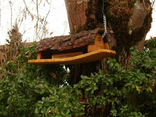 mangeoire à oiseau plein d'autres modèles en palette sur le site