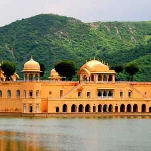 Holiday trip plan in India