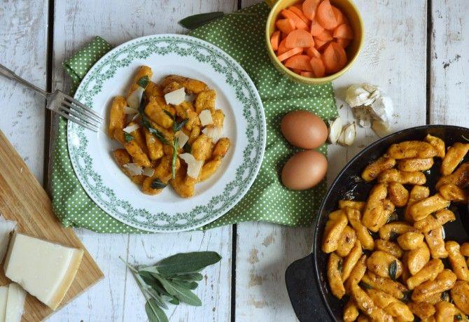 13 gnocchi hússal, sajttal, zöldséggel, mártással - változatosan!