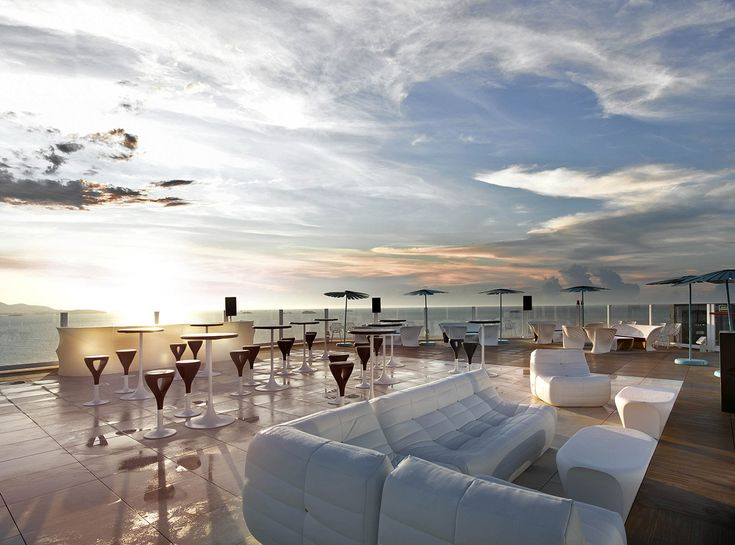 The ninth - Rooftop bar and restaurant at Hard Rock Hotel