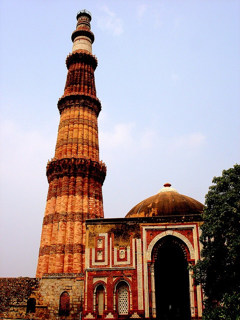 Qutub Minar Architectural features, World heritage sites