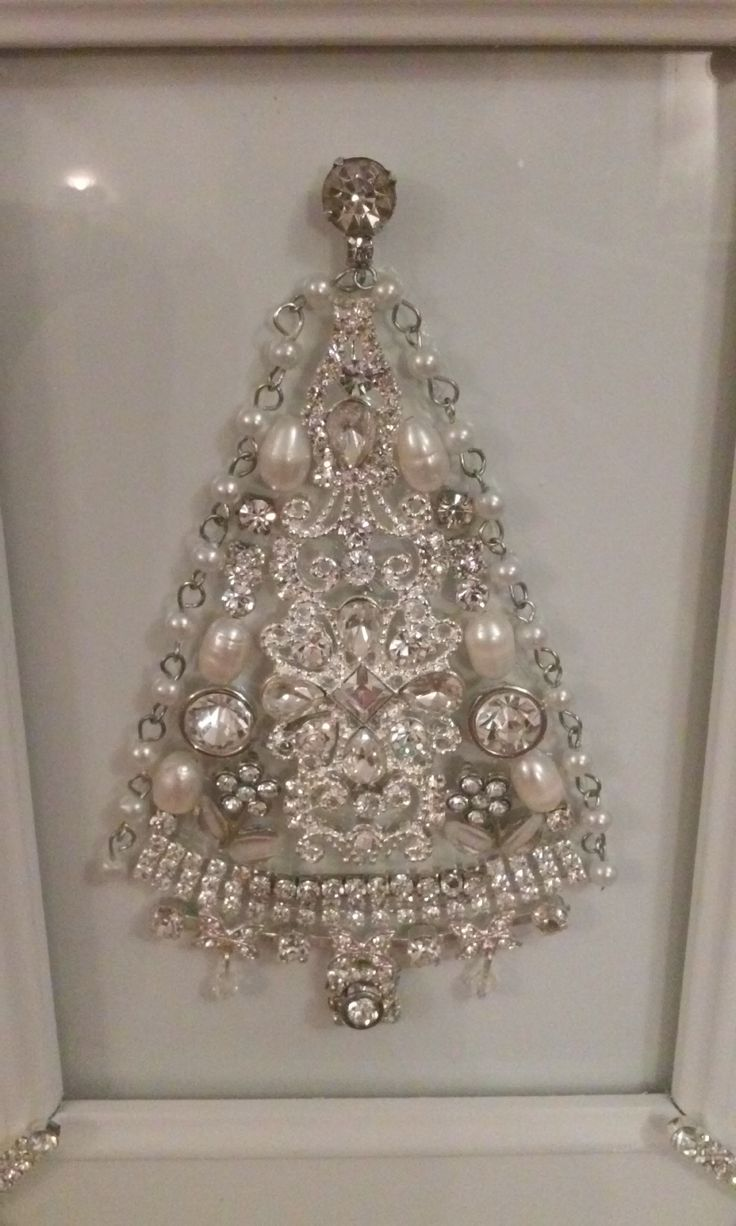 Tree ~ Beautifully made by Iris A. Holland. Nice use of pearls and chain on outside edges
