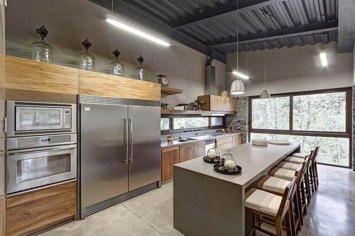 Cooler Kühlschrank geräumige Holz-Küche mit Edelstahl-Elementen-integrierte Geräte-Kochinsel
