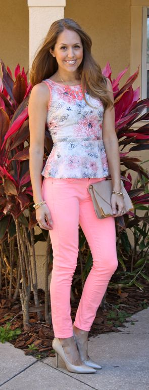 coral jeans outfit. have the top, now I want the jeans!