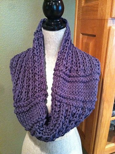 I Love This Yarn Knitting Patterns : Ravelry: Easy Double-strand Chunky Cowl pattern by Louis Chicquette - 2 skein...