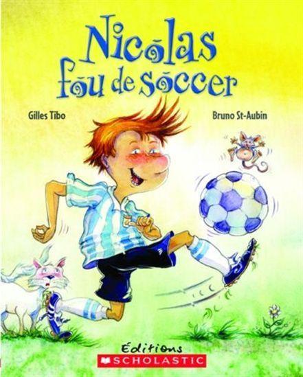 Aujourd'hui, Nicolas participe à son premier tournoi de soccer. Il ne tient pas en place! Mais à force d'envoyer son ballon dans tous les sens et de provoquer des accidents, il risque de s'attirer des ennuis...