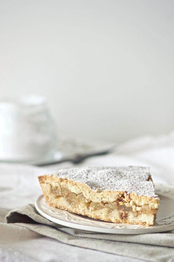 Tourte aux poires, amaretti et Marsala - La pancia del lupo: Torta con pere amaretti e marsala