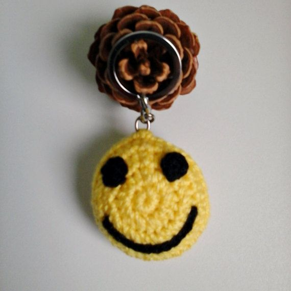 Crochet Keychain Crochet Smiley Keychain  Small by ZsuzsaBoutique