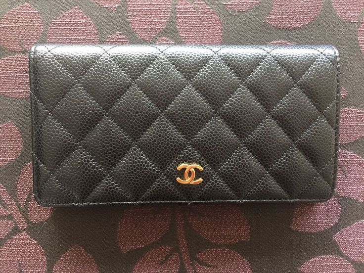 Chanel Classics Black Caviar Bi-fold Wallet in Excellent Conditions - Authentic