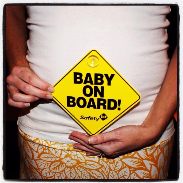 Facebook announcement :)Pictures Ideas, Baby Boards, Cute Ideas, Baby Bump, Facebook Announcements, Baby Stuff