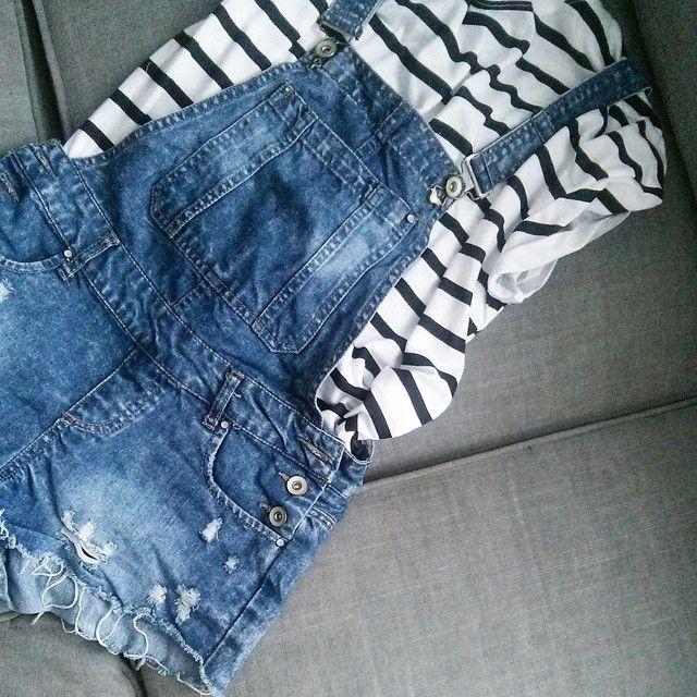 #striped#zara#tshirt#shorts#jeans#denim#ogrodniczki#fashion#summerlook#ootd#fashionblogger#fashionfollowers#fashionphoto#fashioninspo#casual#style#mode#zaradaily#blue#