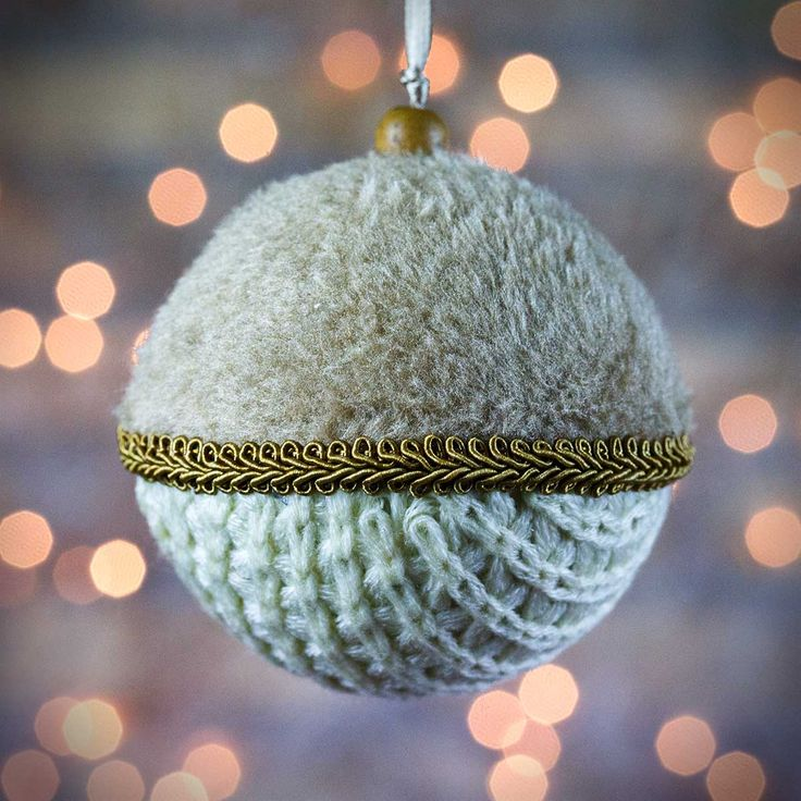 Χριστουγεννιάτικη μπάλα υφασμάτινη μπεζ, διαμέτρου 8cm