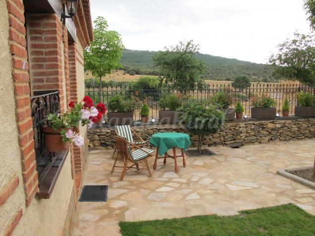 Fotos de Apartamentos Rurales y Casa Rural Los Monteros - Casa rural en Aldeanueva de la Sierra (Salamanca)