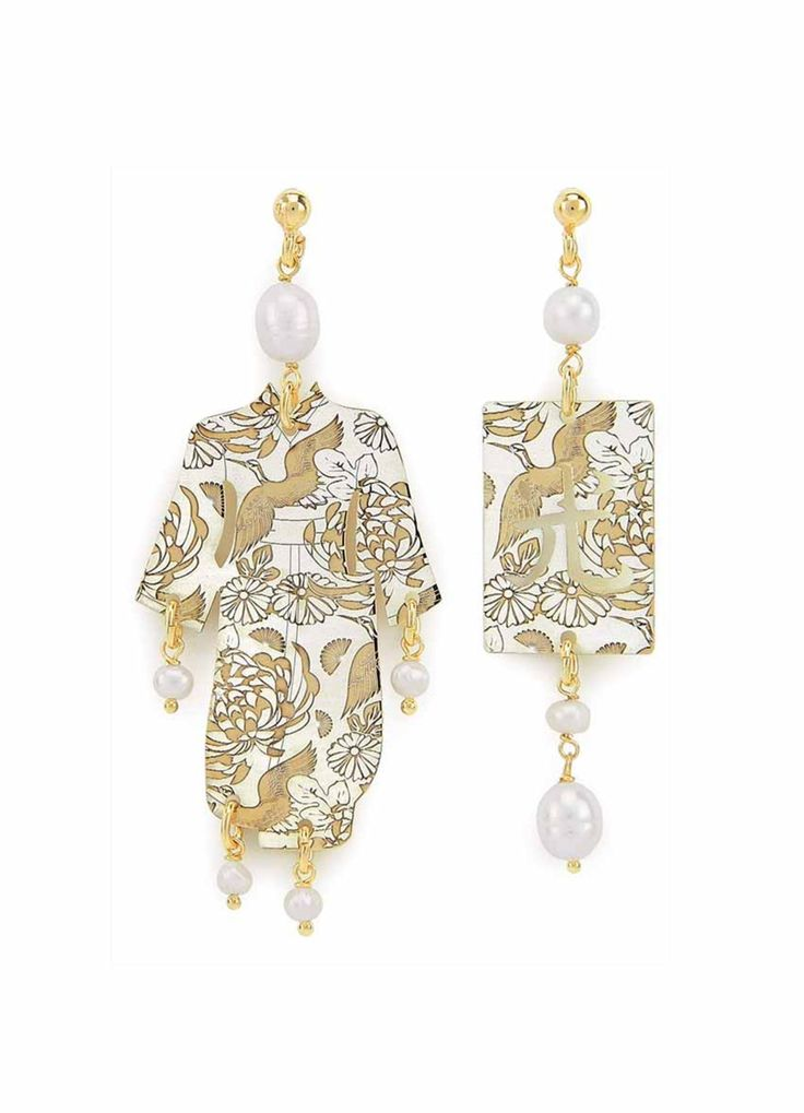 Orecchinorealizzatoin argento 925 galvanizzato oro conlaseraturacherichiamale sete dei Kimono. Lunghezza orecchino...