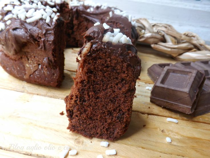 Torta Cioccolato e Panna!! è favolosa!! Rimane morbidissima e molto cioccolatosa.Io la preparo spesso,i miei figli ne vanno matti