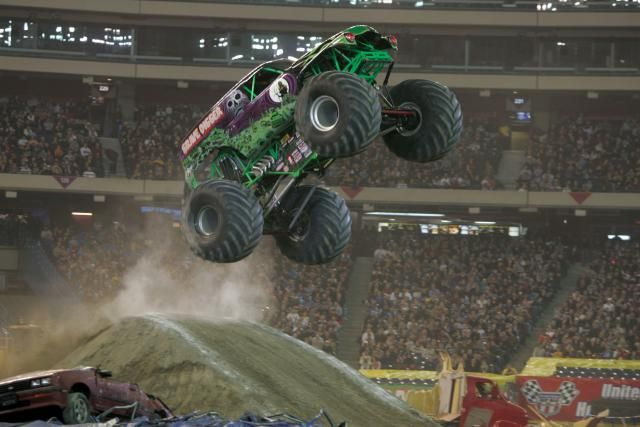 One of my favorite monster trucks Grave Digger.