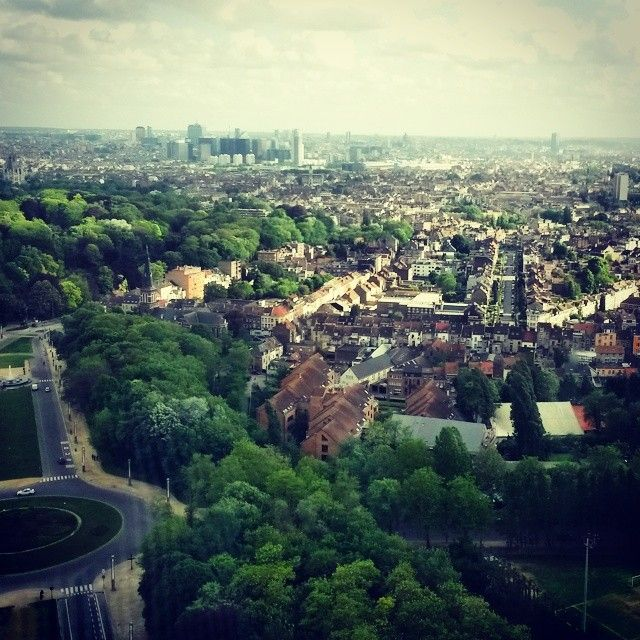 #view from the top of the #atomium   #bruxelles #brussels #brussel #expo #exposition #expo58 #58 #exhibition #tentoonstelling world fair #musée #museum #musea #visite #visit #bezoek #tourism #tourisme #toerism #attraction #attractie #atomium #architecture #architectuur #fifties #atomic #atomicage #spaceship #tube #sphere #stairs #design what to do que faire wat te doen #top #art #kunst #landmark #symbol #symbole #symbool #panorama
