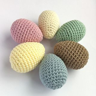 Reliable egg crochet pattern that can be the starting point for so much more. Great way to hone your 3D and amigurumi skills.