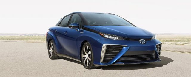 Being the world's first commercially available hydrogen fuel cell automobile, the 2018 Toyota Mirai is the same size as the Toyota Camry and can accommodate up to four passengers.