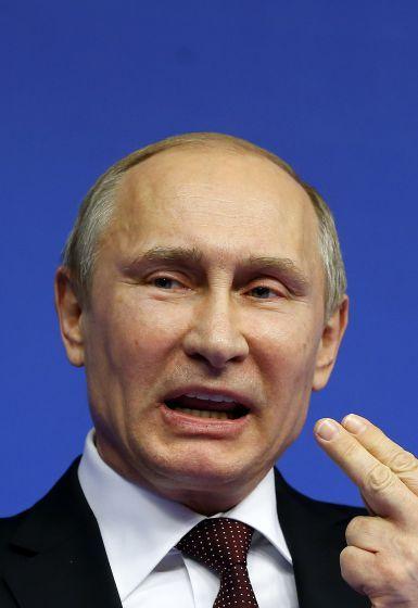"""Wladimir Wladimirowitsch Putin: Der """"mächtigste Mann der Welt"""" - Wäre Putin ein durchschnittlicher russischer Mann, wäre er bereits tot. Die Lebenserwartung für Männer in Russland liegt bei durchschnittlich 59 Jahren. Doch der mittlerweile 61-jährige Kremlchef fühlt sich derzeit auf dem Höhepunkt seiner Herrschaft. Mehr zur Person hier: http://www.nachrichten.at/nachrichten/meinung/menschen/Wladimir-Wladimirowitsch-Putin-Der-maechtigste-Mann-der-Welt;art111731,1300764 (Bild: epa)"""