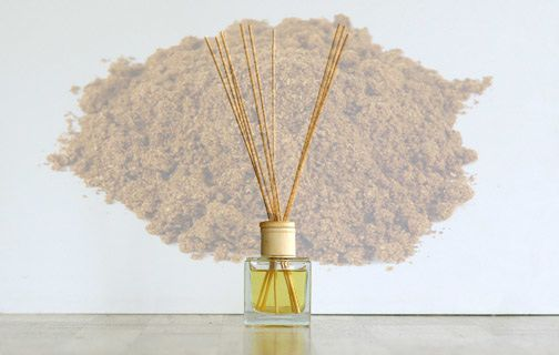 Reed Diffusers come in a 140ml cubic glass jar, filled with diffuser base oil and chosen fragrance oil & 10 natural reed diffuser sticks. Our reed diffuser oils contain no alcohol or dpg. All of our oils are the highest concentration and they are pre-blended for specific use in diffuser bottle.