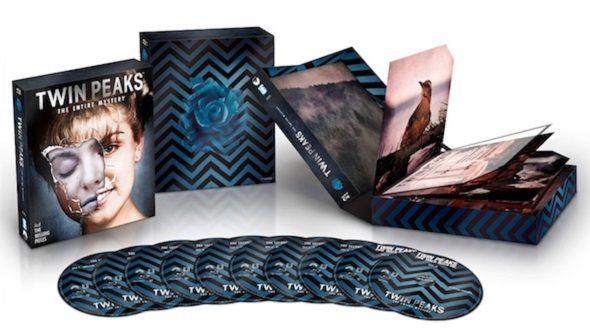 ¿Quién mató a Laura Palmer? En este pack encontrarás todas las pistas para averiguarlo y por supuesto que hablamos de la edición 'Twin Peaks: El Misterio Completo'. Nos encontramos ante una de las series más importantes de la historia de la televisión que llega en un pack especial de diez discos que incluye toda la serie y la película 'Fuego camina conmigo'