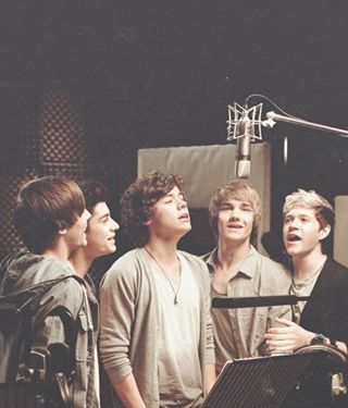 If you don't repin this, get out of the fandom. This is the cutest fetus group pic..