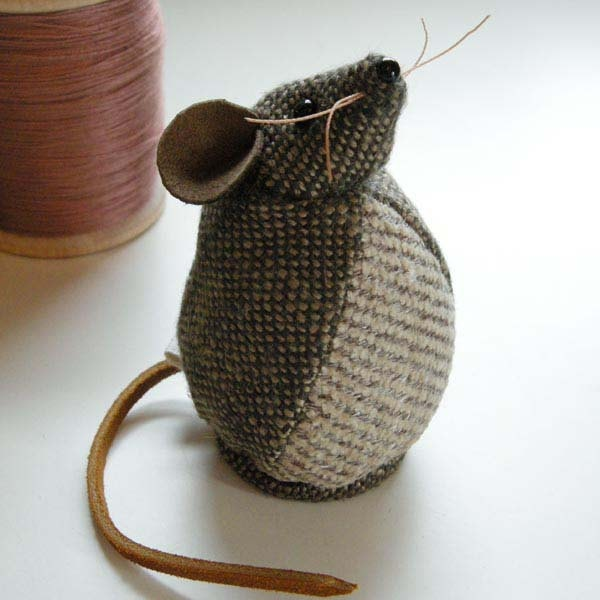 Tweed Fabric Mouse- could also probably figure out without a pattern... tweed body, leather strips for tail, whiskers, and ears..