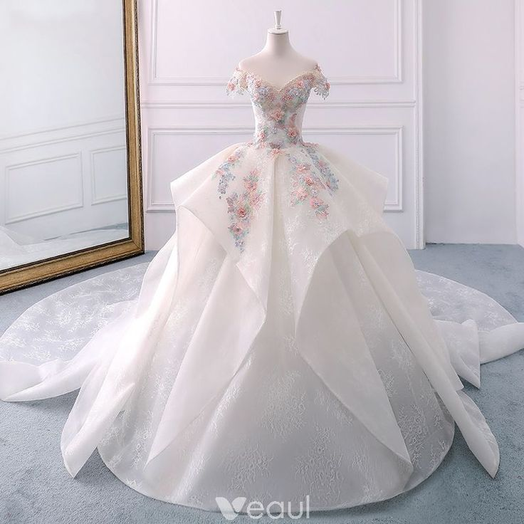 Elegant Ivory Wedding Dresses 2018 Ball Gown Lace Appliques Beading Pearl Cascading Ruffles Off-The-Shoulder Backless Short Sleeve Royal Train Wedding