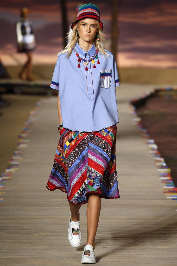 Tommy Hilfiger Spring 2016 Ready-to-Wear Collection Photos - Vogue  ...it pains me to say that I like *anything* Hilfiger, but this is kinda fresh & cool...