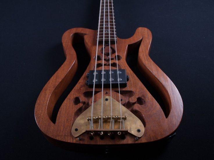 Sculpture HMG, handmade 4 string bass