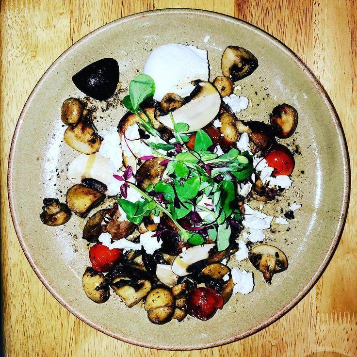 Mushrooms on toast @the_lilypad_cafe in #chesterfield #breakfast #food #foodie #mushroom #toast #eat #eatout #fruhstuck #derbyshire http://ift.tt/1O6BC5n