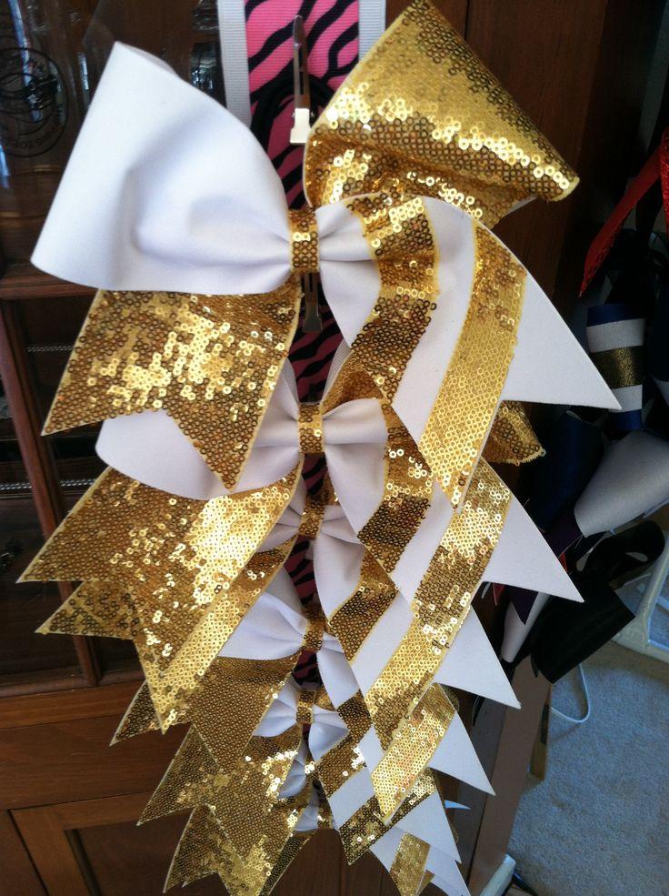 Cheer bow order by Desa Rose Bowtique visit us at www.etsy.com/shop/desarosebowtique