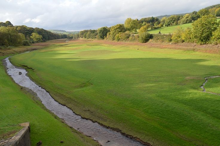 Lindley Wood Reservoir - Top section looking very empty. It is empty.  Photo taken by Jason Richards late October 13