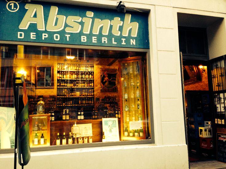 Es ist uns eine Freude mit unserem Absinthe Bizarre und weiteren Absinthe Produkten aus dem Val-de-Travers im Absinthe Depot Berlin vertreten zu sein. Euer Swiss Absinthe Distribution Team - www.absinthe-shop.ch