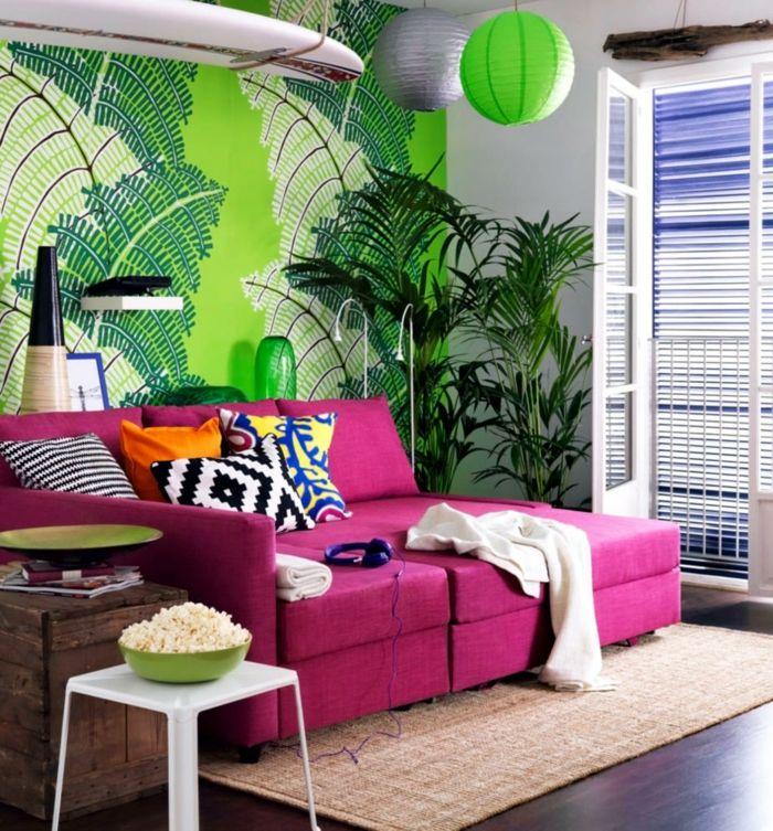 wandtapeten wohnzimmer grüne tapete lila sofa Wandgestaltung - wohnzimmer tapete grun