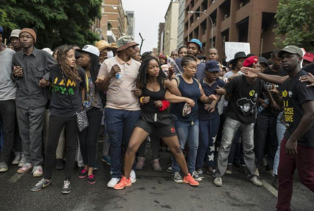 feesmustfall-students