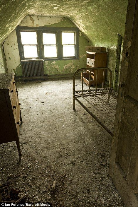 Surprisingly intact doctor's bedroom from North Brother Island's quarantine center for contagious disease. Opened in the 1880's, presently abandoned for 50 years.