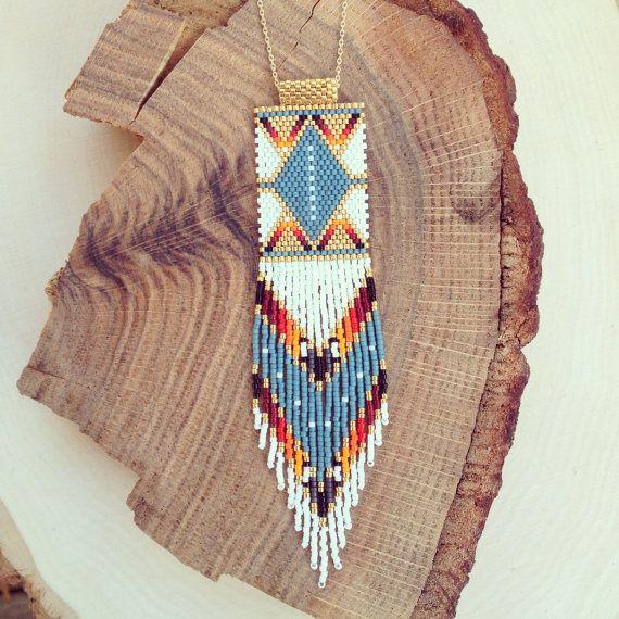 Collier Pow  fait sur commande par wildmintjewelry sur Etsy