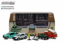 Greenlight 1:64 Motor World Multi-Car Dioramas Campsite Cruisers Forest Service