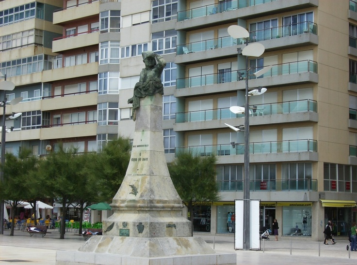 Póvoa de Varzim (City Hero monument)