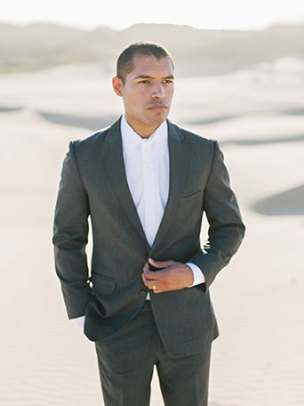 sand-dunes-wedding-shoot-groom-grey-suit-with-long-white-tie