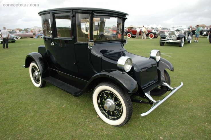 1918 Detroit Electric Model 75.  Detroit Electric produced thousands of electric cars from 1907 to 1939.