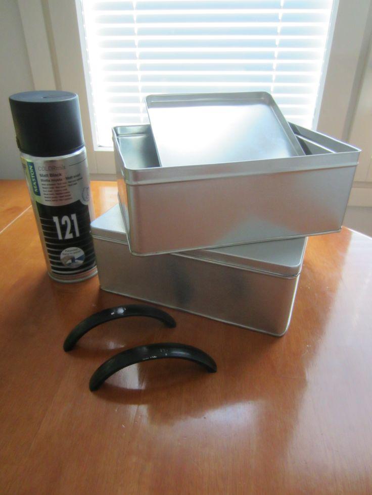Tee-se-itse-naisen sisustusblogi: Painted Tin Box With Handles