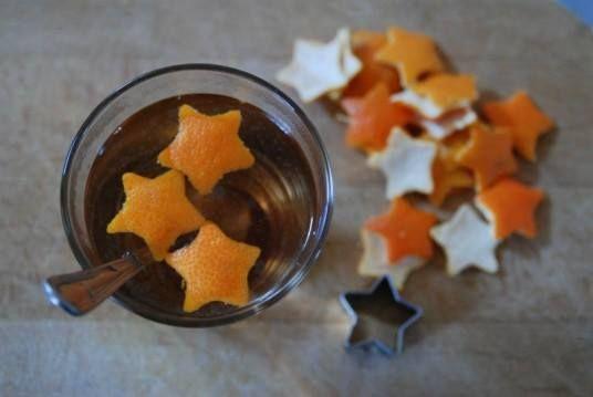 #riusare le scorze degli #agrumi per #decorare la vostra tavola e aggiungere un tocco speciale al vostro cenone di capodanno: http://blog.viaggiverdi.it/2013/12/10-idee-riusare-bucce-arancia/